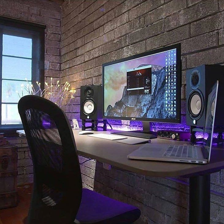 Pleasing How To Setup A Perfect Gaming Desk Standingdesktopper Com Gmtry Best Dining Table And Chair Ideas Images Gmtryco
