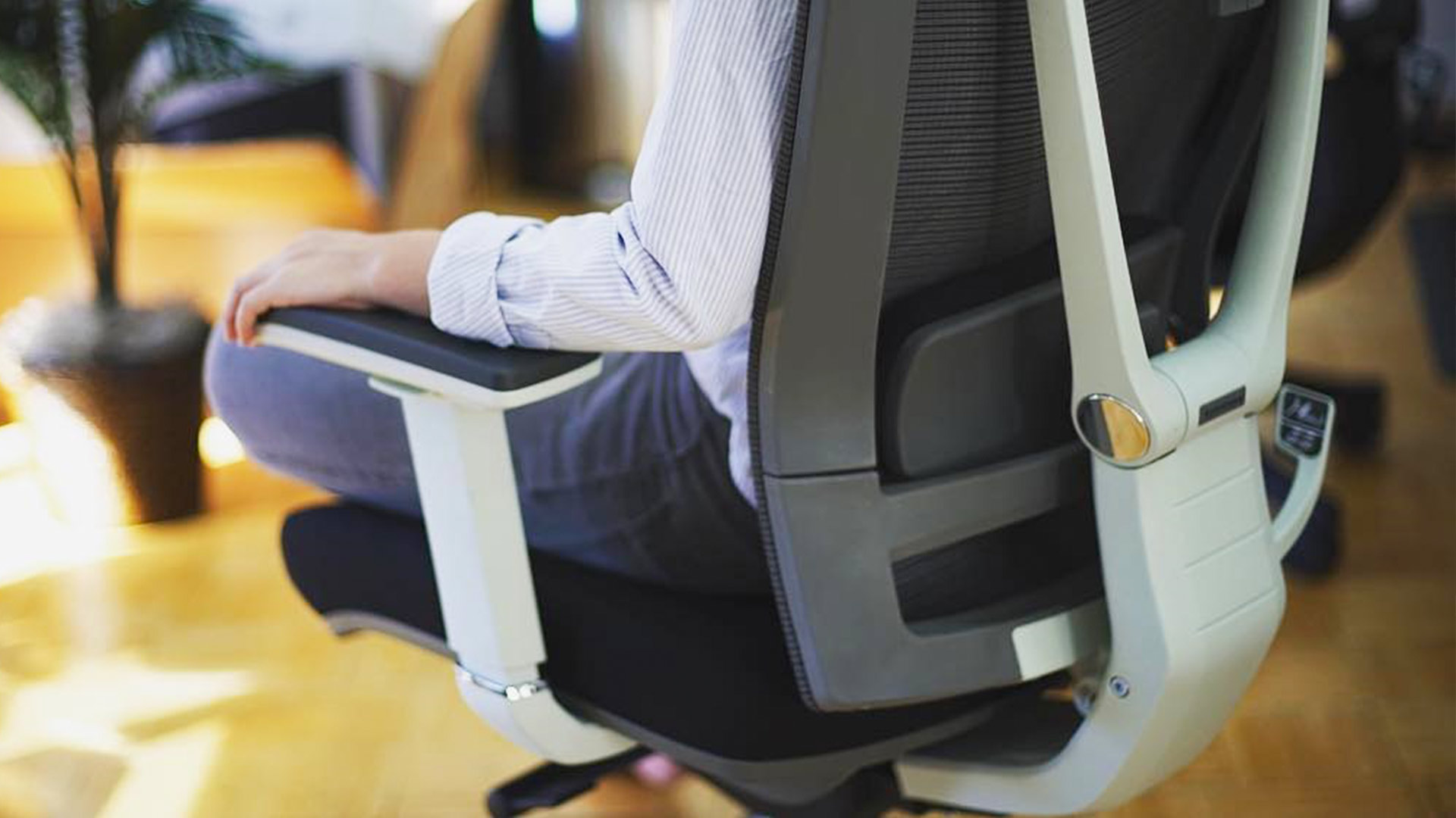 Review Ergochair 2 Work Smarter With Autonomous