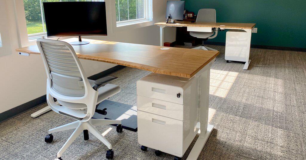Uplift V2 Standing Desk bamboo