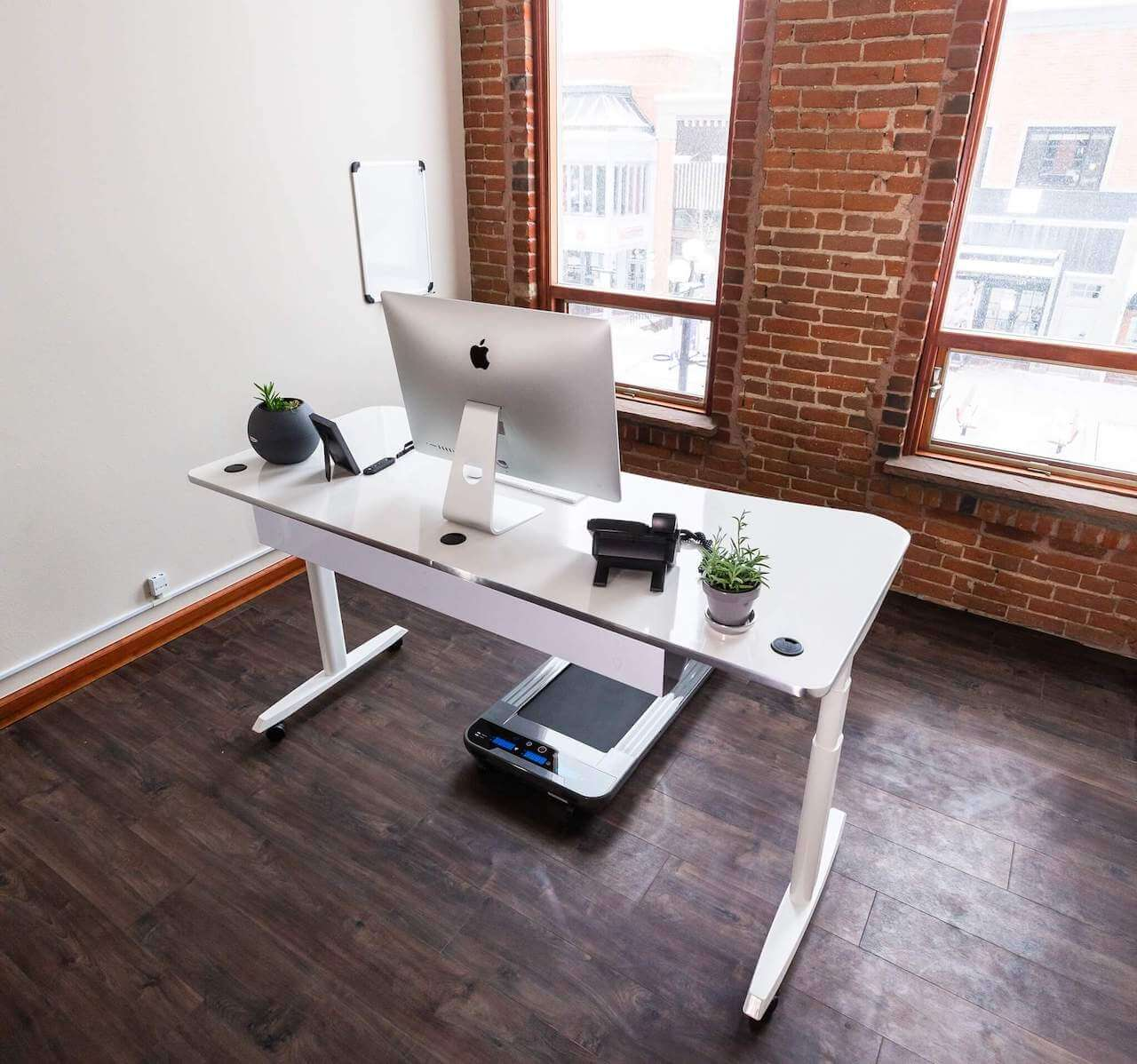 VERSA Powerlift electric standing desk