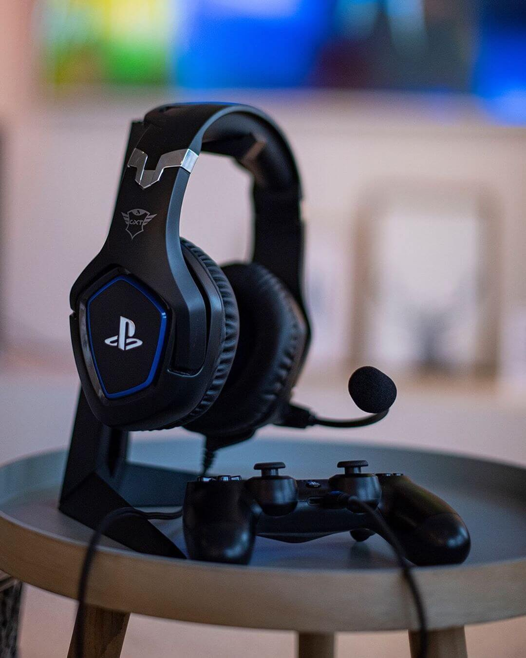 Gaming headset - desk accessories