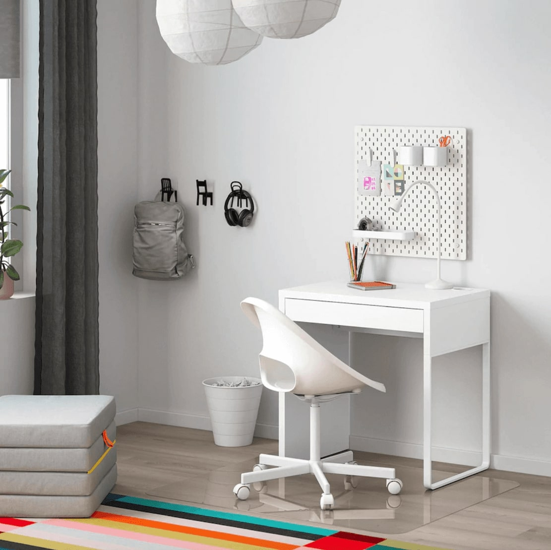Micke Desk - IKEA monitor stand