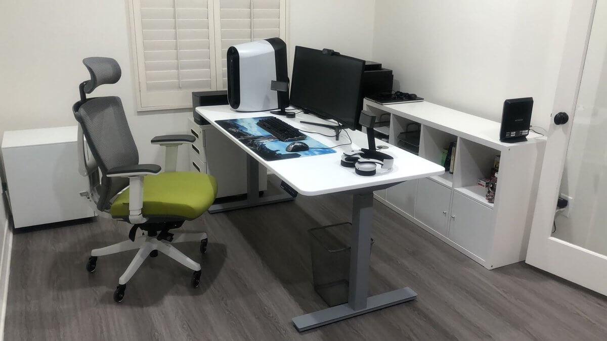 Autonomous standing desk review