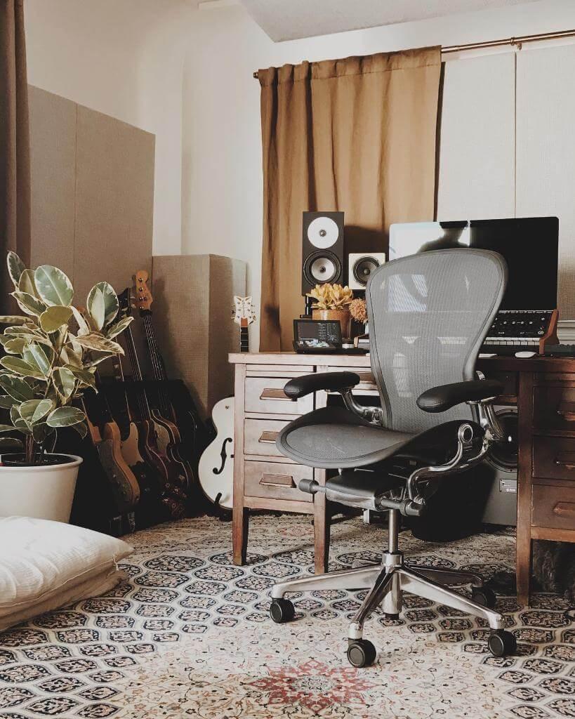 IKEA Markus vs Herman Miller Aeron - Herman Miller Aeron office chair size small