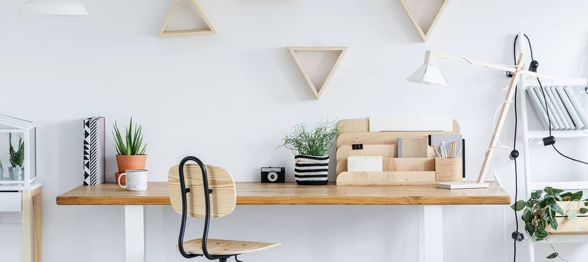 Smartdesk vs Flexispot standing desk comparison
